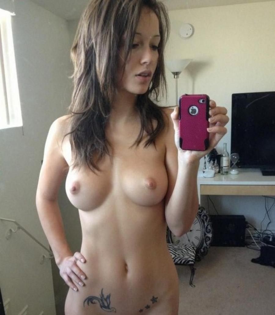 Секс брюнетка примерочная 19 фотография